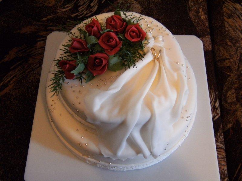 Svatba u Konečných,kompromis maminky a dcery.Nevěsta chtěla jednoduchý dirt a maminka aspoň poschoďák